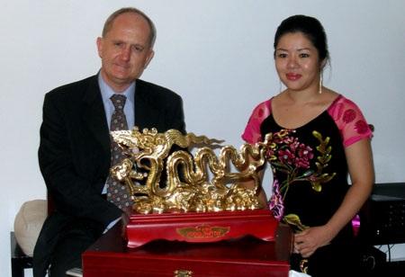 Đấu giá Rồng Thăng Long cho Quỹ Nạn nhân da cam - 1