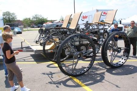 """Xe đạp 4 chỗ, 4 bánh """"siêu khủng"""" - 2"""