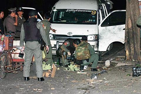 """Thái Lan: Phe """"áo đỏ"""" lại tụ tập, bất chấp lệnh khẩn cấp  - 2"""