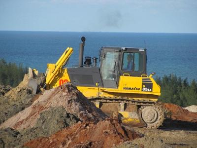 """Cận cảnh những """"núi đất"""" khổng lồ ở mỏ sắt lớn nhất nước - 4"""