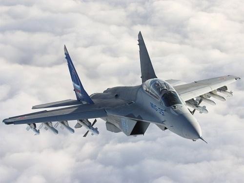 Nga lần đầu tiên tăng ngân sách mua vũ khí tối tân - 1