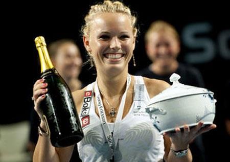 Kuznetsova và Wozniacki cùng trở thành nhà vô địch - 1