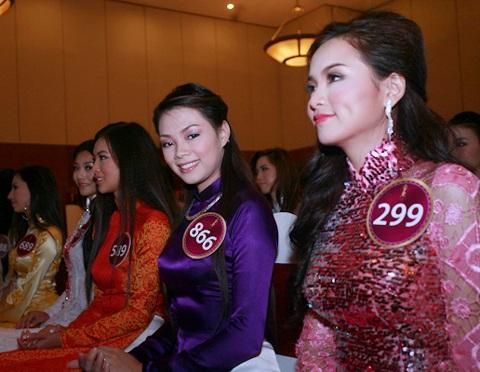 Jennifer Phạm làm MC chung kết Hoa hậu thế giới người Việt - 17