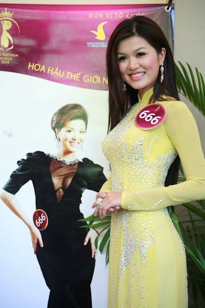 Jennifer Phạm làm MC chung kết Hoa hậu thế giới người Việt - 20