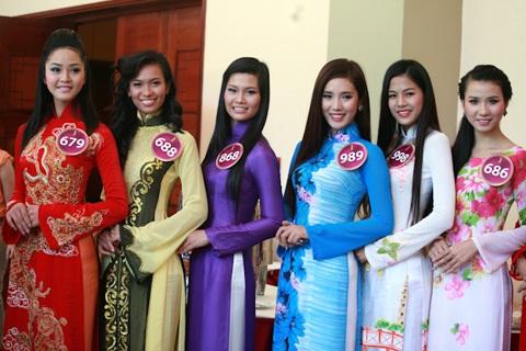 Jennifer Phạm làm MC chung kết Hoa hậu thế giới người Việt - 21