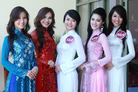 Jennifer Phạm làm MC chung kết Hoa hậu thế giới người Việt - 22