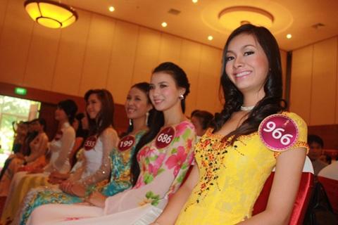 Jennifer Phạm làm MC chung kết Hoa hậu thế giới người Việt - 26