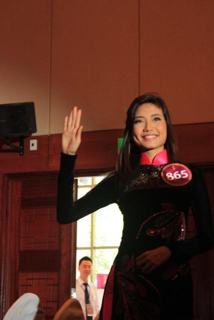 Jennifer Phạm làm MC chung kết Hoa hậu thế giới người Việt - 28
