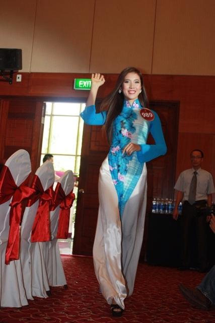 Jennifer Phạm làm MC chung kết Hoa hậu thế giới người Việt - 31