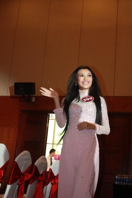 Jennifer Phạm làm MC chung kết Hoa hậu thế giới người Việt - 23