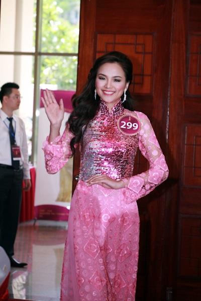 Jennifer Phạm làm MC chung kết Hoa hậu thế giới người Việt - 7