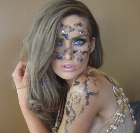 Người đẹp Hoàn vũ làm người mẫu body painting  - 6