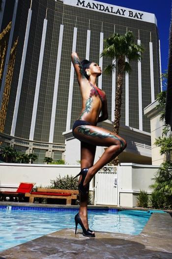 Người đẹp Hoàn vũ làm người mẫu body painting  - 12