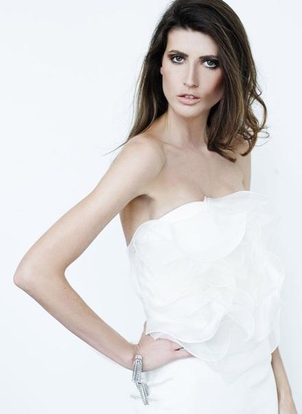 Vẻ đẹp lôi cuốn của siêu mẫu Michelle Alves - 2