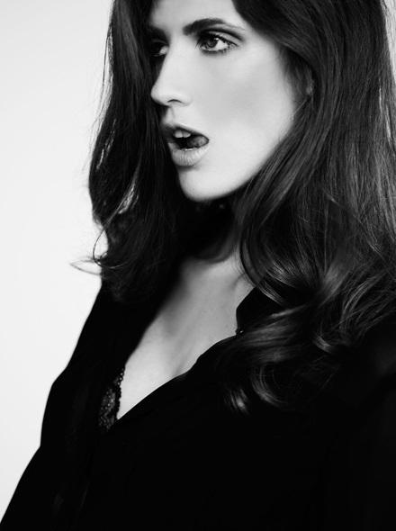 Vẻ đẹp lôi cuốn của siêu mẫu Michelle Alves - 1