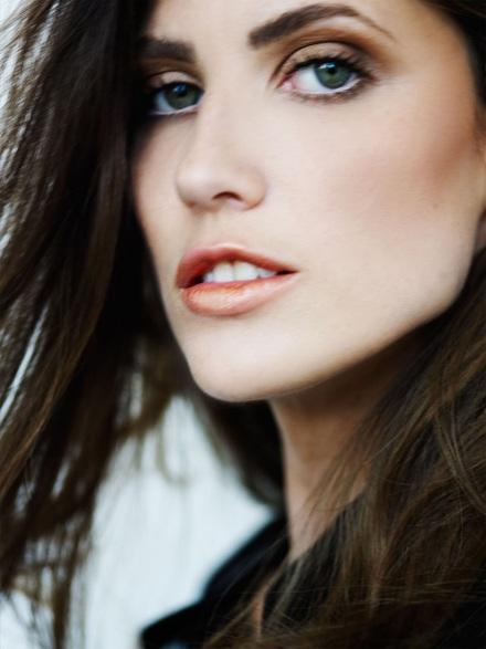 Vẻ đẹp lôi cuốn của siêu mẫu Michelle Alves - 4