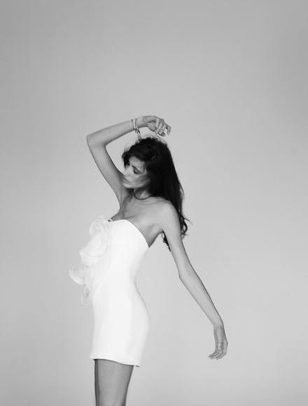 Vẻ đẹp lôi cuốn của siêu mẫu Michelle Alves - 9