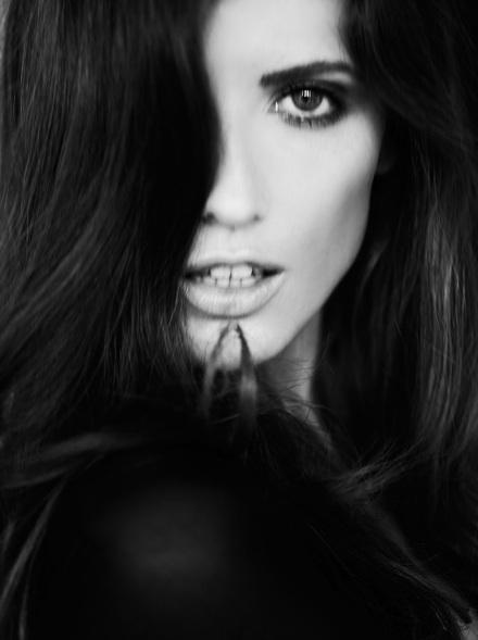 Vẻ đẹp lôi cuốn của siêu mẫu Michelle Alves - 10