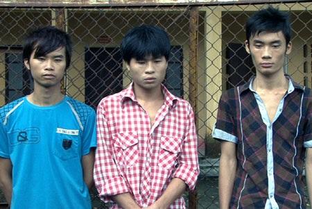 Nhóm thanh niên thuê taxi đi trộm máy tính - 1