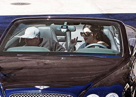 Chồng cũ Sandra Bullock hạnh phúc bên bồ mới - 2