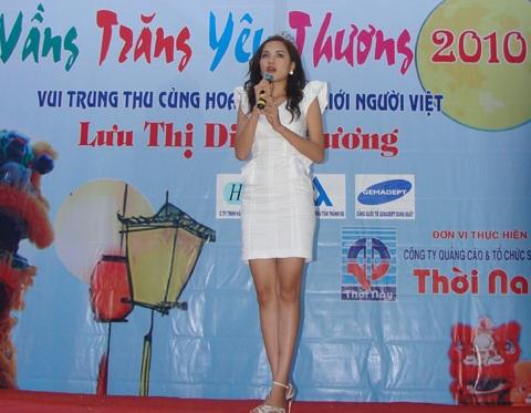 Hoa hậu Diễm Hương làm từ thiện tại Quảng Ngãi - 2