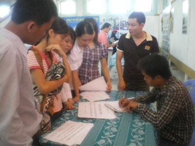 Ngày hội tư vấn học nghề và việc làm đầu tiên tại Nghệ An  - 1