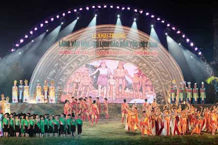 Khai trương ngôi làng lớn nhất Việt Nam - 10