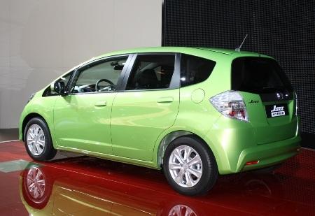 Honda Fit là xe hybrid rẻ nhất Nhật Bản  - 7