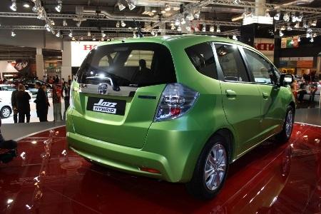 Honda Fit là xe hybrid rẻ nhất Nhật Bản  - 9