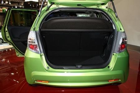 Honda Fit là xe hybrid rẻ nhất Nhật Bản  - 10