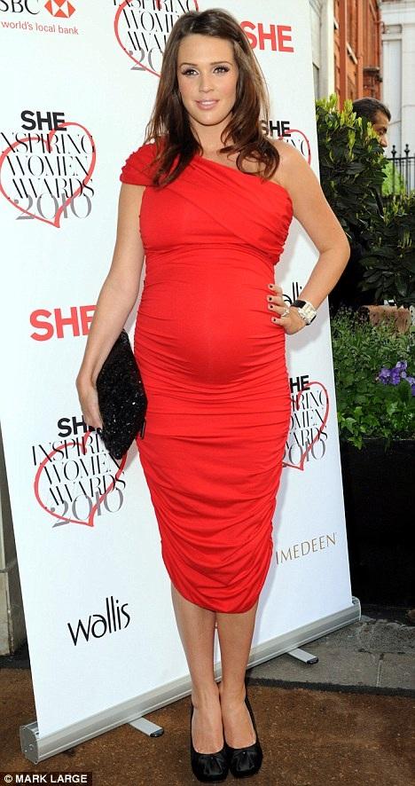 """Sốc"" với dáng chuẩn của Danielle Lloyd sau 11 tuần sinh con - 3"