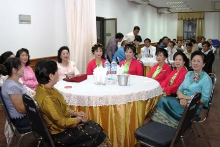 Người Việt tại Lào náo nức hướng về đại lễ ngàn năm  - 1