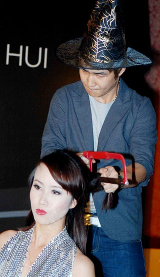 Những màn cắt tóc độc đáo ở Hà Nội - 2