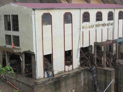Tan tành thủy điện Hố Hô - 5