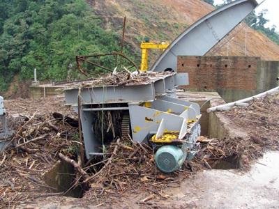 Tan tành thủy điện Hố Hô - 19
