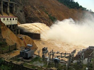 Tan tành thủy điện Hố Hô - 20