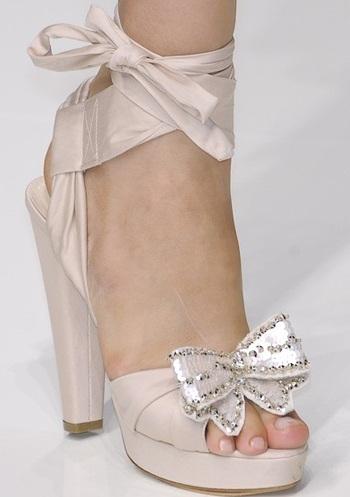"""Những kiểu giày dép """"hot"""" nhất tuần lễ thời trang Milan - 4"""