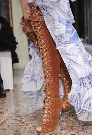 """Những kiểu giày dép """"hot"""" nhất tuần lễ thời trang Milan - 9"""