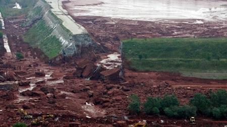 Xuất hiện đe dọa mới từ hồ chất thải bị vỡ ở Hungary - 2