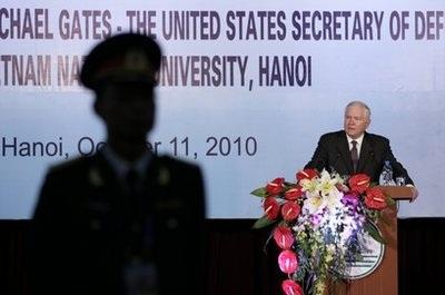 Bộ trưởng Quốc phòng Mỹ thăm VN, thúc đẩy hợp tác quân sự - 1