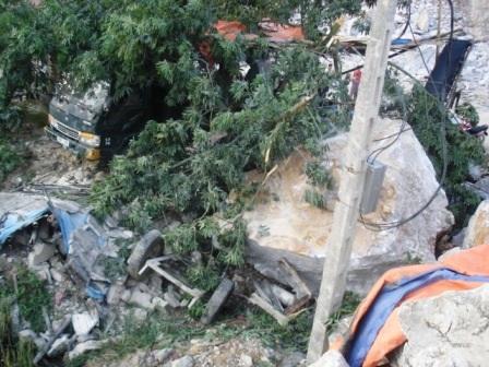 Thanh Hóa: Lở mỏ đá, 3 người thương vong - 2