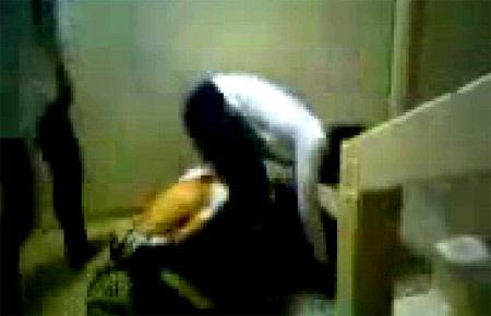 Lại ồn ào clip nữ sinh bị bạn đánh, lột quần áo dã man - 2