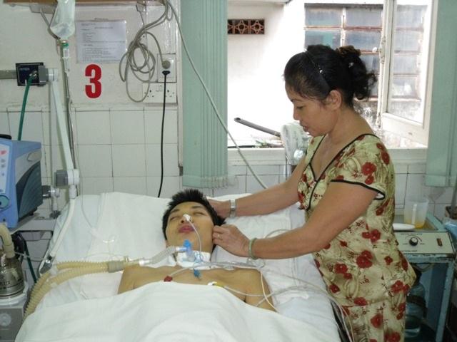 Ăn ốc sên một bệnh nhân hôn mê sâu 15 tháng - 1