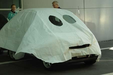 Hãi hùng xe trang trí kiểu Halloween - 10
