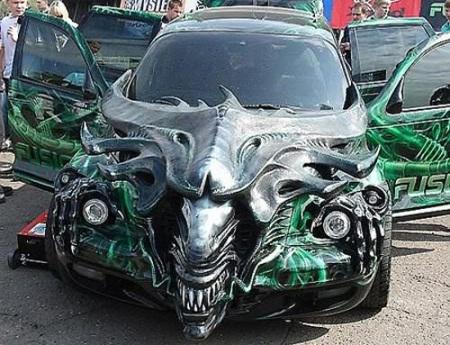 Hãi hùng xe trang trí kiểu Halloween - 12