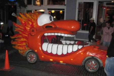 Hãi hùng xe trang trí kiểu Halloween - 13