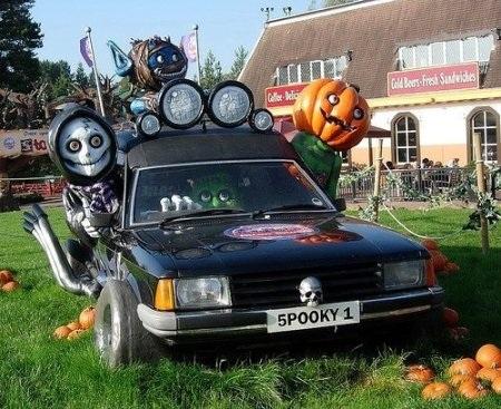 Hãi hùng xe trang trí kiểu Halloween - 1
