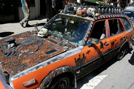 Hãi hùng xe trang trí kiểu Halloween - 7