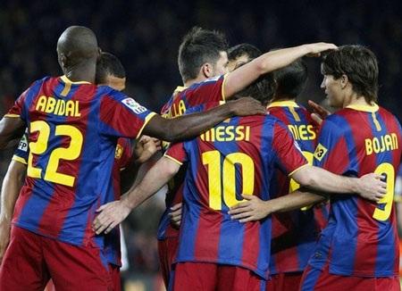 """Messi lại lập cú đúp, Barca """"tàn sát"""" Sevilla - 1"""