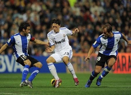 C. Ronaldo giúp Real Madrid ngược dòng hạ Hercules - 1